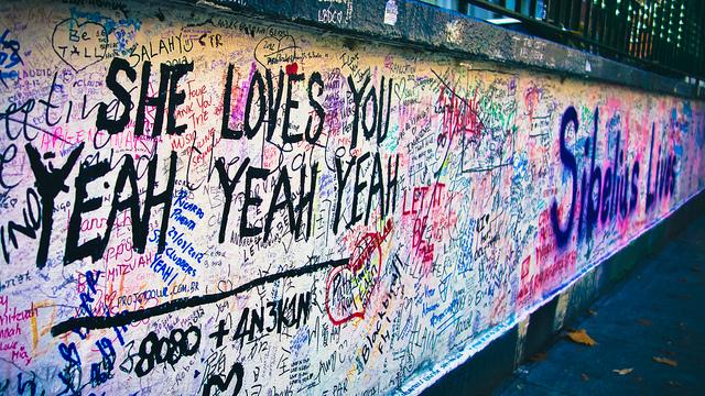 meest irritante Beatlesfan van de hele wereld | HMVVDV