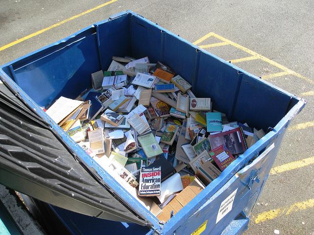 Ik ga ontspullen en mijn boeken wegdoen | HMVVDV